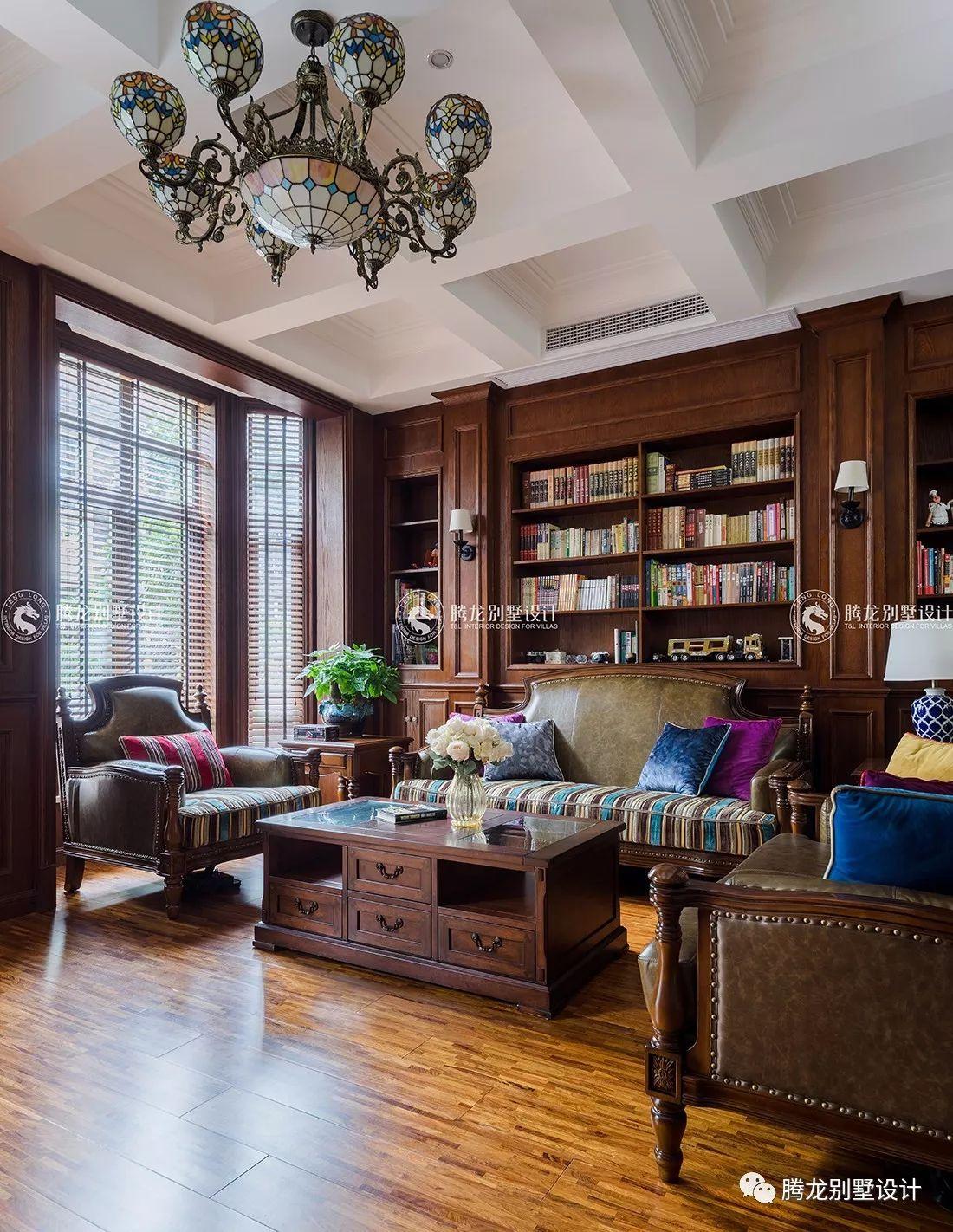 时光漫步美式别墅装修客厅实景图